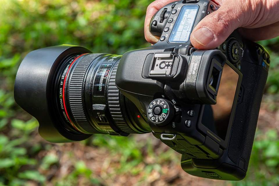 Photo of 5 Essential DLSR Camera Considerations for First Time Buyer